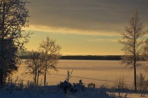 Vinterljuset och skidföret är superbt i dessa dagar.