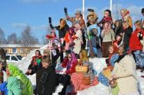 På väg till Blåkulla landade det här gänget i en snöhög i Bränna.