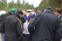 Väldigt intresserade åhörare till arkeologen Ove Haléns föredrag.