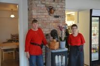 På besök hos systrarna Nylund och Anders Drugge i Korpilombolo nystartade kafé.