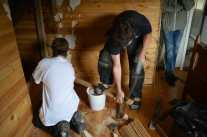 Mina gossar, Josef och Anton repar.