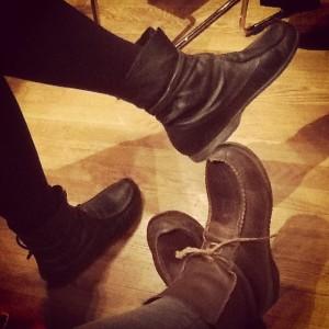 Kulturmöte jag, mina och Pias skor, och Marias var bara en meter bort.