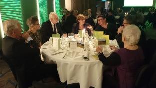 Vårat bord bestod till stor del av andra matnördar, som Matkonsulenten Kristina Wikström och Tryggve Bergman som är varumärket Kalixlöjroms pappa.