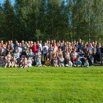 Källsläkten, kusiner, kusinbarn till mig. Foto: Håkan Svensson.